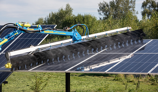 SunBrush® mobil delivers its new cleaning device for PV tracking systems to Chile