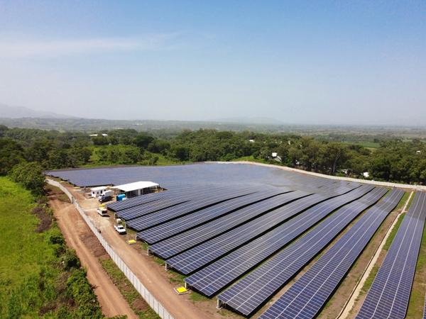 AES inaugura planta solar Opico Power