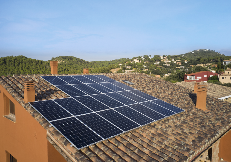 Dhamma Energy cierra la financiación de la cubierta solar Pollestres de 3,3 MWp